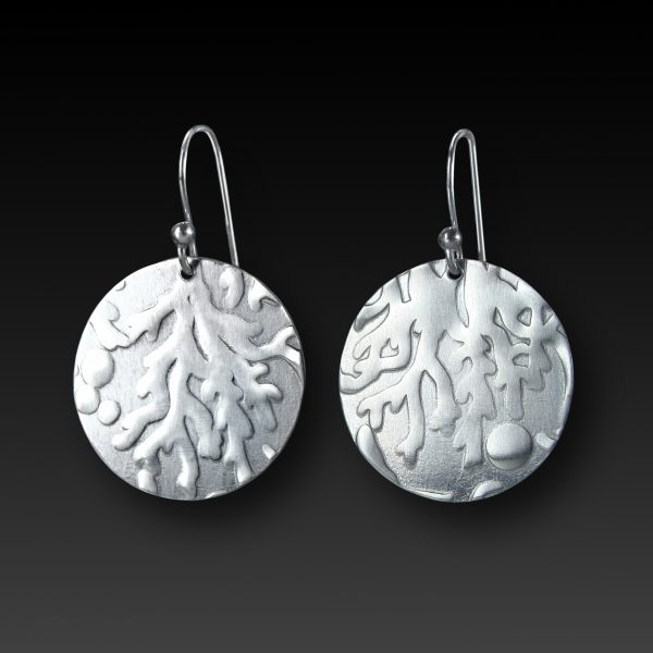 silver-round-earrings-coral-pattern
